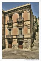 Agira, Agosto 2005. Palazzo nobiliare.  - Agira (1920 clic)