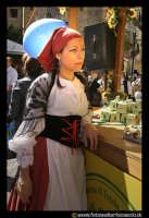 Leonforte. Ragazza con costume folkloristico.  - Leonforte (6802 clic)