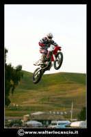 San Cataldo Nuovo crossodromo, sito in Contrada Mimiani vicino alla Stazione Ferroviaria. Motocross, motociclette, acrobazie in motocicletta, moto cross. Domanica 16 Marzo 2008.  - San cataldo (1487 clic)