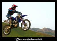 San Cataldo Nuovo crossodromo, sito in Contrada Mimiani vicino alla Stazione Ferroviaria. Motocross, motociclette, acrobazie in motocicletta, moto cross. Domanica 16 Marzo 2008.  - San cataldo (1459 clic)