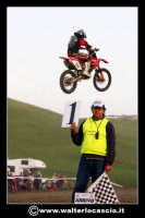 San Cataldo Nuovo crossodromo, sito in Contrada Mimiani vicino alla Stazione Ferroviaria. Motocross, motociclette, acrobazie in motocicletta, moto cross. Domanica 16 Marzo 2008.  - San cataldo (2139 clic)