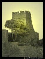 Acicastello: La rocca col Castello Normanno.  - Aci castello (2103 clic)