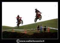 San Cataldo Nuovo crossodromo, sito in Contrada Mimiani vicino alla Stazione Ferroviaria. Motocross, motociclette, acrobazie in motocicletta, moto cross. Domanica 16 Marzo 2008.  - San cataldo (3178 clic)