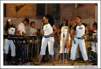 Agira, Agosto 2005. Carnevale Estivo 2005 ad Agira. Il complesso musicale delle ragazze CUBANE #1  - Agira (4955 clic)