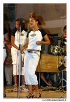 Agira, Agosto 2005. Carnevale Estivo 2005 ad Agira. Il complesso musicale delle ragazze CUBANE #2  - Agira (4827 clic)