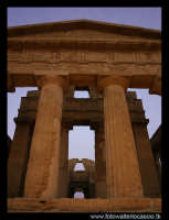 Agrigento le colonne del tempio della Concordia.  - Agrigento (3412 clic)