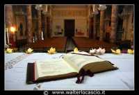 Agira: Chiesa Reale Abbazia di San Filippo. Altare e navata centrale.  - Agira (3557 clic)