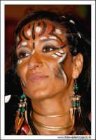 Agira, Agosto 2005. Carnevale Estivo 2005. Ragazza in maschera #4  - Agira (1711 clic)