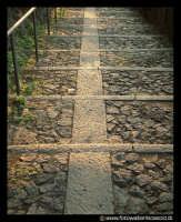 Acicastello: LA scalinata per accedereal Castello.  - Aci castello (1498 clic)