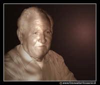 Caltanissetta : Ritratto di anziano. (a dire il vero è mio nonno per il suo 90esimo compleanno).  - Caltanissetta (3058 clic)