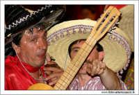 Agira, Agosto 2005. Carnevale Estivo 2005. Gruppi in maschera i messicani#3  - Agira (3356 clic)