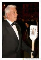 Caltanissetta: Settimana Santa. Giovedì Santo. Processione delle Maestranze. Uomo in processione con Candela.  - Caltanissetta (2802 clic)