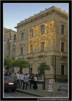 Enna: Il palazzo della Banca Monte dei Paschi di Siena.  - Enna (3445 clic)