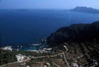 veduta aerea di levanzo con favignana sullo sfondo   - Levanzo (5259 clic)
