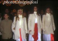processione di Santa Lucia - al centro la Lucia di Svezia edizione 2003  - Siracusa (7079 clic)
