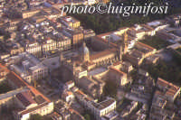 veduta aerea della cattedrale e del centro storico  - Palermo (4749 clic)