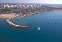 veduta aerea del porto e della città  - Donnalucata (5866 clic)