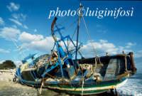 barcone spiaggiato a punta regilione  - Marina di modica (1781 clic)
