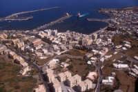 il porto ed il nucleo urbano di pantelleria  - Pantelleria (4261 clic)