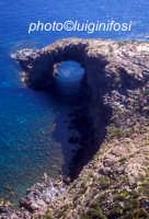 l'arco dell'elefante  - Pantelleria (4636 clic)