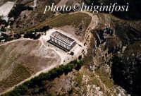 il tempio di segesta visto dall'alto  - Segesta (4139 clic)