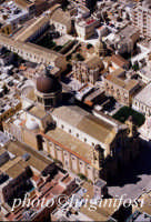 la cattedrale e san sebastiano visti dal cielo  - Marsala (3187 clic)