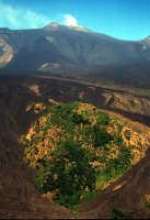 sorvolando la valle del bove  - Etna (4548 clic)