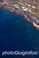dammusi e costa visti dall'alto  - Pantelleria (3715 clic)