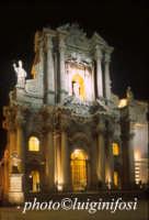 il Duomo di notte  - Siracusa (1381 clic)