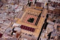 il convento ed il chiostro di san martino maggiore (?), visto dall'alto  - Marsala (4164 clic)