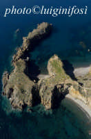 le capanne preistoriche di cala junco viste dall'alto  - Panarea (6504 clic)