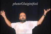 Giobbe Covatta - estate 2002  - Ragusa (1727 clic)