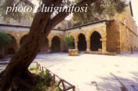 l'esterno del museo archeologico   - Agrigento (2403 clic)