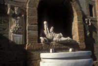la fontana di di ercole  - Canicattì (4220 clic)
