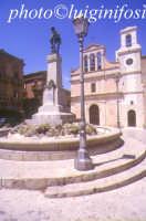 piazza....   - Aragona (3580 clic)