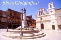 piazza....   - Aragona (4599 clic)