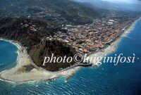 il promontorio e la città  - Capo d'orlando (12975 clic)