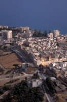 panorama aereo della citta vecchia e il castello  - Sciacca (3995 clic)