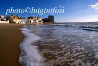 la spiaggia di levante e la casa di montalbano  - Punta secca (4498 clic)