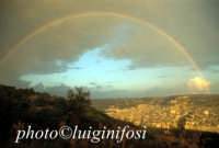l'arcolbaleno sulla città SCICLI Luigi Nifosì