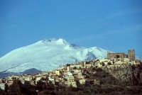 panorama della città e l'etna  - Motta sant'anastasia (6880 clic)