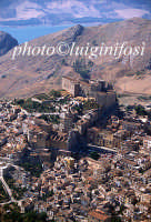 veduta aerea della città e del castello  - Caccamo (4493 clic)