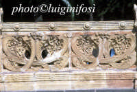 balconata in ceramica presso la villa comunale  - Caltagirone (1485 clic)