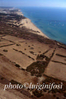 veduta aerea dell'area archeologica e della baia  - Camarina (4576 clic)