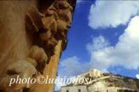 chiesa madre di san matteo e ignazio - particolare del prospetto  - Scicli (3936 clic)
