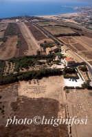 veduta aerea del museo, dell'area archeologica e della baia di Scoglitti  - Camarina (4364 clic)