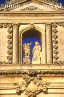 chiesa dell'annunziata - particolare del prospetto  - Ispica (3877 clic)