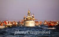 la processione sul mare in occasione dell'Assunta  - Marina di ragusa (4628 clic)