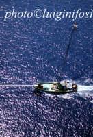 caratteristica passerella ( un tempo luntro )per la pesca del pescespada nel messinese  - Messina (10124 clic)