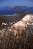 veduta aerea del cratere  - Vulcano (3401 clic)